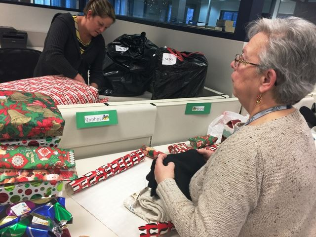 2016 Holiday Assistance Gift Wrapping 6